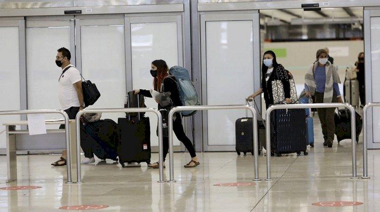 España recupera en agosto la mitad de turistas internacionales que en 2019
