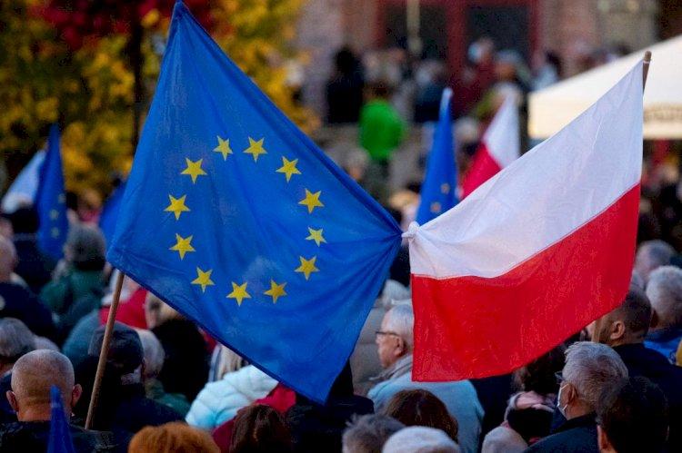 Polonia se sitúa al borde de la ruptura con la UE: tres posiblesescenarios